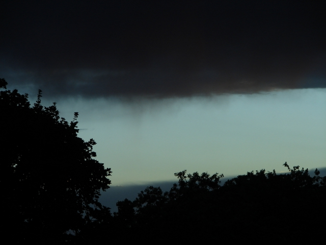 Click to view information from the : Virga in Cache Valley courtesy and Copyright 2010 Jim Cane